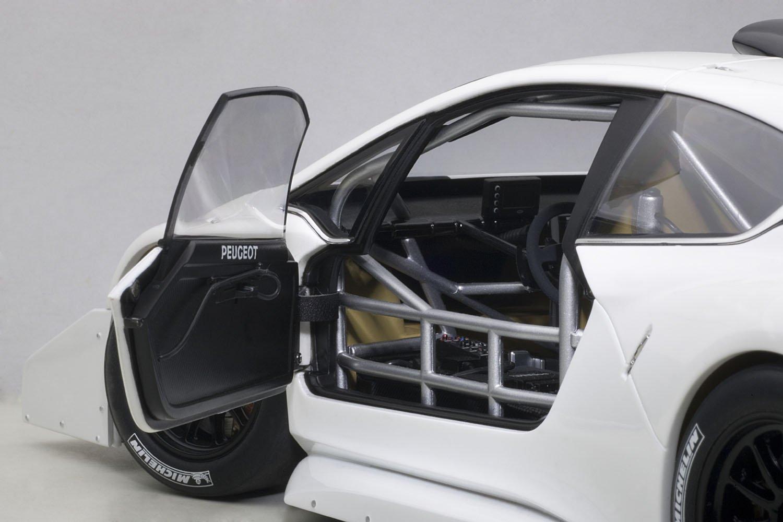 autoart 1 18 81355 2013 peugeot 208 t16 pikes peak race car plain white version ebay. Black Bedroom Furniture Sets. Home Design Ideas